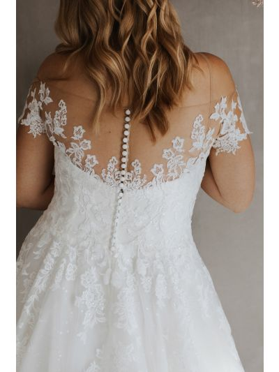 Bridal Gown-Lovely Wedding Gown-Attractive Wedding Gown,Stunning Wedding Gown.Classic Ball Gown,Shoulder Sleeves Wedding Gown,Covered Buttons Gown,Handmade Gown,Bridal Gown, Wedding Gown, Ballroom Wedding Gown, Lace Wedding Gown, Simple Wedding Gown, Roya
