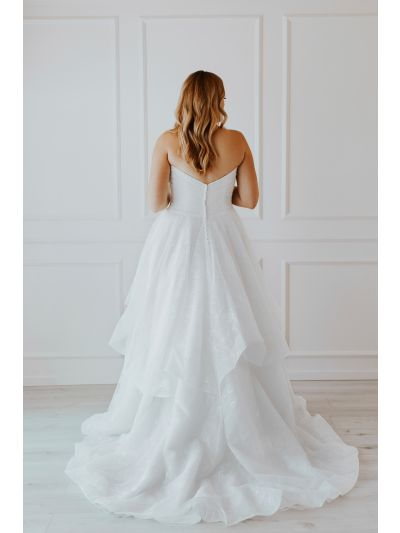 Bridal Gown-Stunning Wedding Gown,Gorgeous Wedding,Gown,Lovely Wedding Gown.Classic Ball Gown,Relaxed Ballgown,Soft Overlace Gown,Sweethearth Neckline Gown,Bridal Gown, Wedding Gown, Ballroom Wedding Gown, Lace Wedding Gown, Simple Wedding Gown, Royal Wed