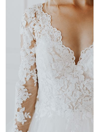 Romantic Wedding Gowns-Lovely Wedding Gowns-Attractive Wedding Gowns-Bridal Gown.wedding gown, ballgown, bridal, budget friendly gown,Sexy Wedding Gowns,Hand beaded Appliques,Soft Tulle Layers.