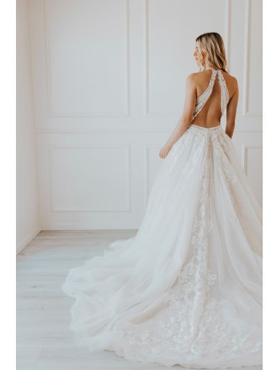 Elegant Wedding Gown-Lovely Wedding Gown-Liz Wedding Gown.Neckline Hand Beaded Gown,Hand Cut Lace Appliques,Embroidery Gown,Full Tulle Train,Bridal Gown, Wedding Gown, Ballroom Wedding Gown, Lace Wedding Gown, Simple Wedding Gown, Royal Wedding Gown, Tull